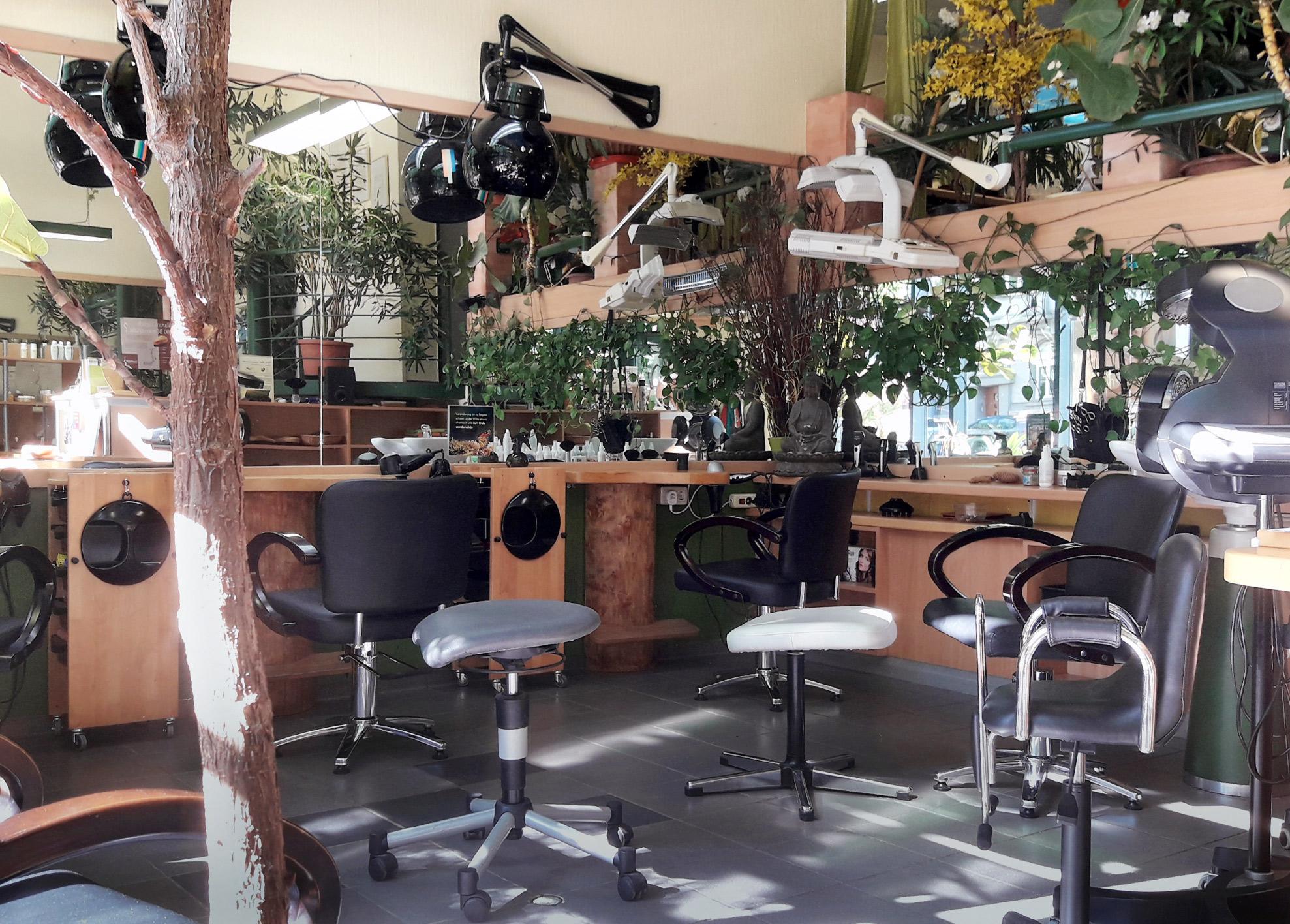 Friseur Salon: Melissa Frings Habsburgerallee 11 - 52064 Aachen