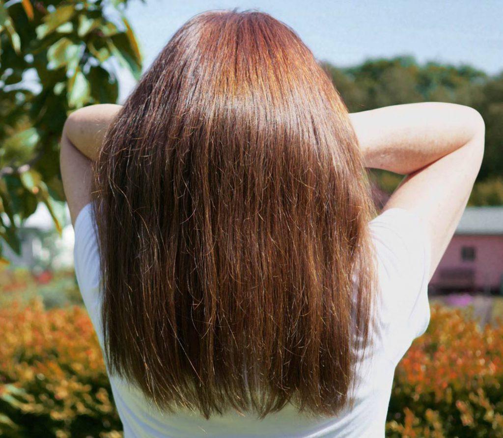 Natürliche Haarfarben mit Pflanzenhaarfarben. Seidiger Glanz auf natürlicher Basis.